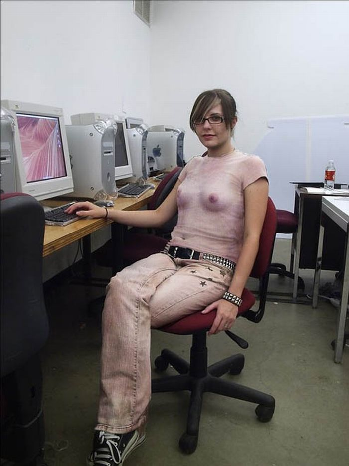 Смешное про голых девушек 10 фотография